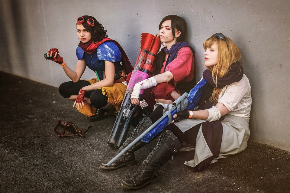 Photo by Starbit Cosplay, other cosplayers not sure.